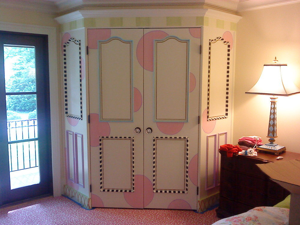 Fun Hand-painted,built-in wardrobe.