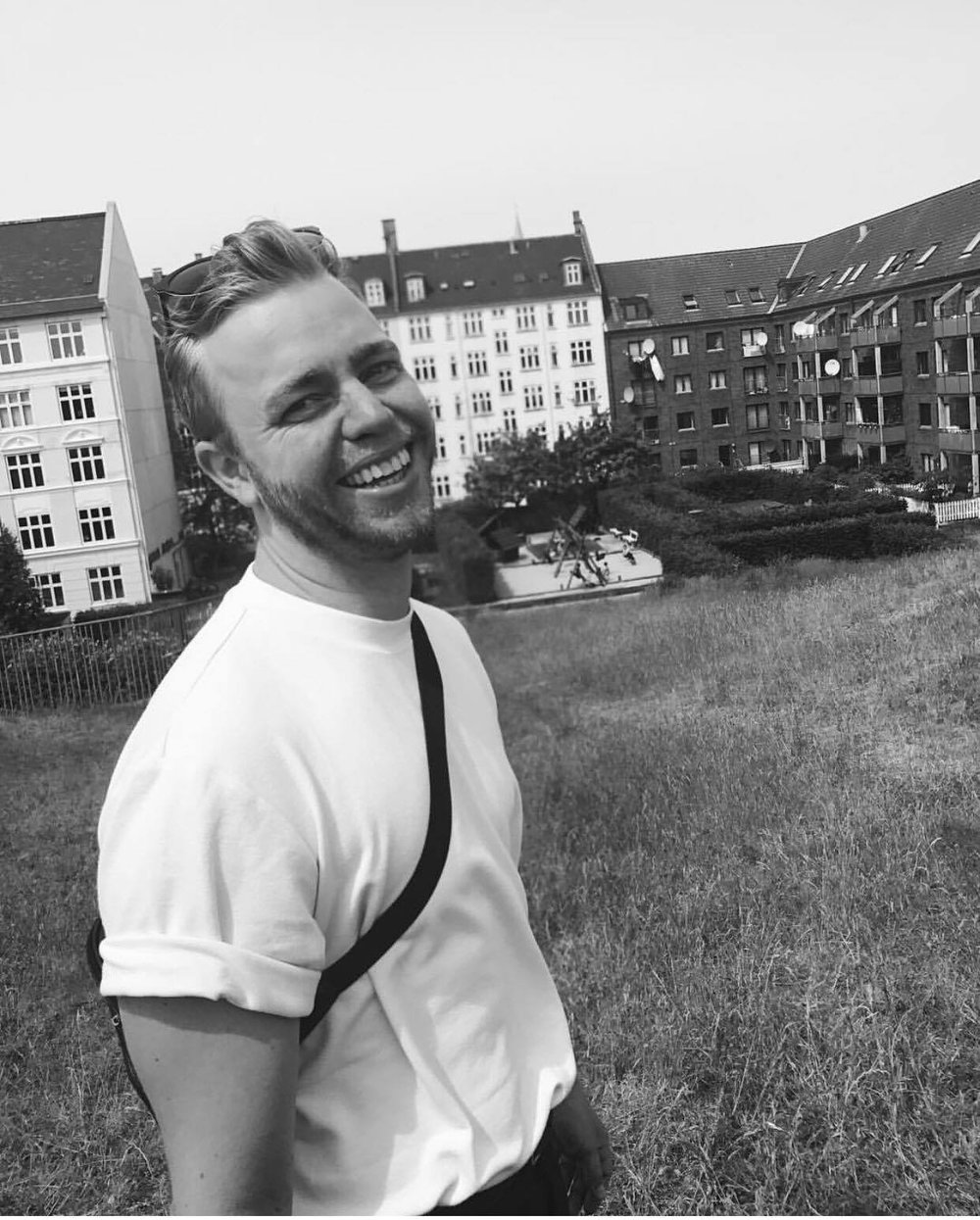 Thomas Sterud Borgersen   Thomas er 28 år gammel, og er sportslig leder på Enjoy Danseklubb. Han er tidligere toppdanser i freestyle- og IDO grenene, og har en bachelor i moderne dans fra Khio. Thomas har både nasjonal og internasjonal dommereksamen, og har gått på NIH' sitt «Yngre ledere i idretten». Til daglig studerer han administrasjon og ledelse på OsloMet, og reiser Europa rundt og underviser. I våres skal han undervise IDO grenene på tirsdager, og ha både turn og work it timene på onsdager.