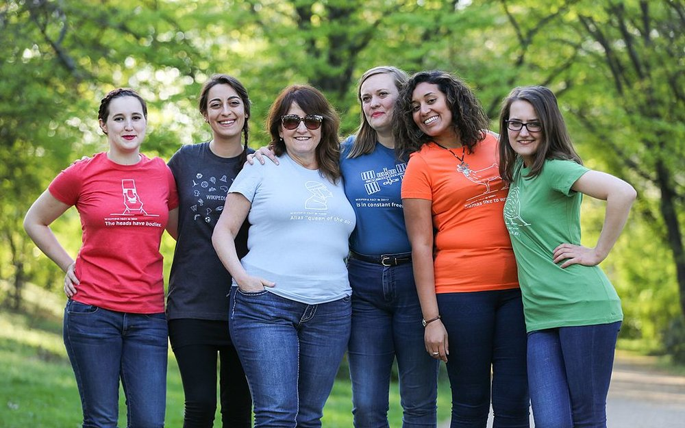Women_of_Wikimedia_Conference_Berlin_model_Wikipedia_15_t-shirts.jpg