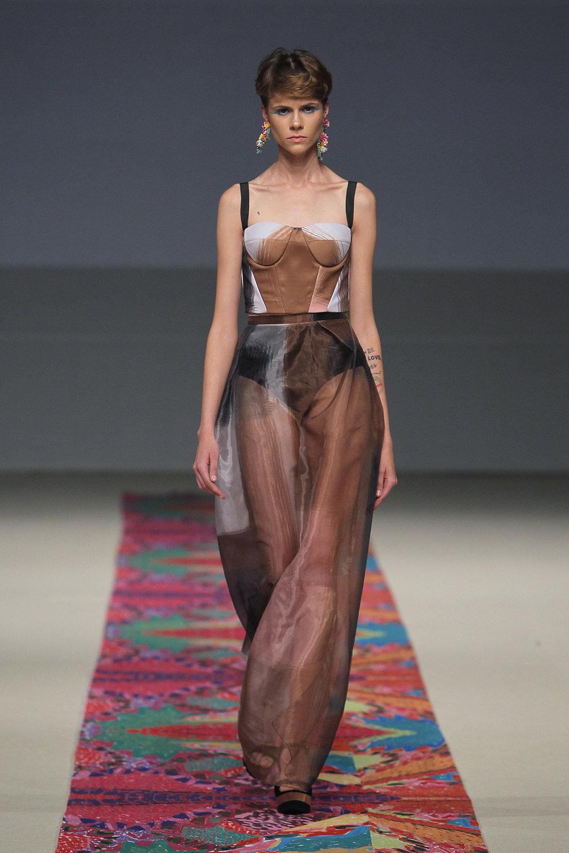 Ana Maria Guiulfo 16