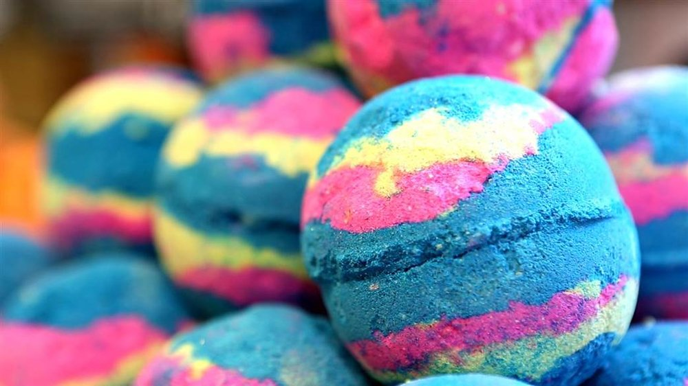style-follow-lush-intergalactic-bath-bomb-today-170210.today-vid-canonical-featured-desktop - Madison Ireland.jpg