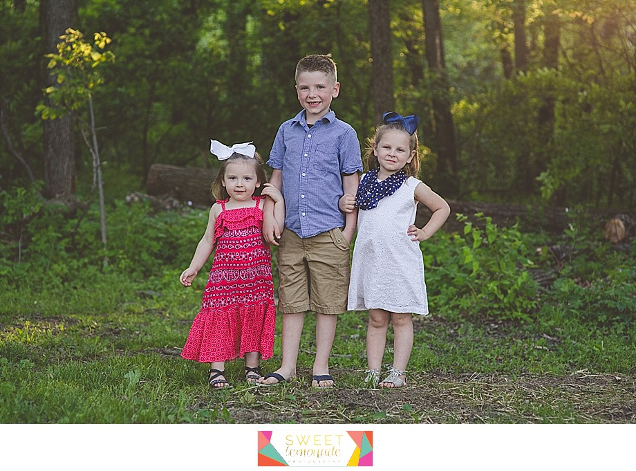 Lake-of-the-woods-Mahomet-central-IL-family-photographer-Champaign-Police-Fathers-Day-Sweet Lemonade Photography_0167.jpg