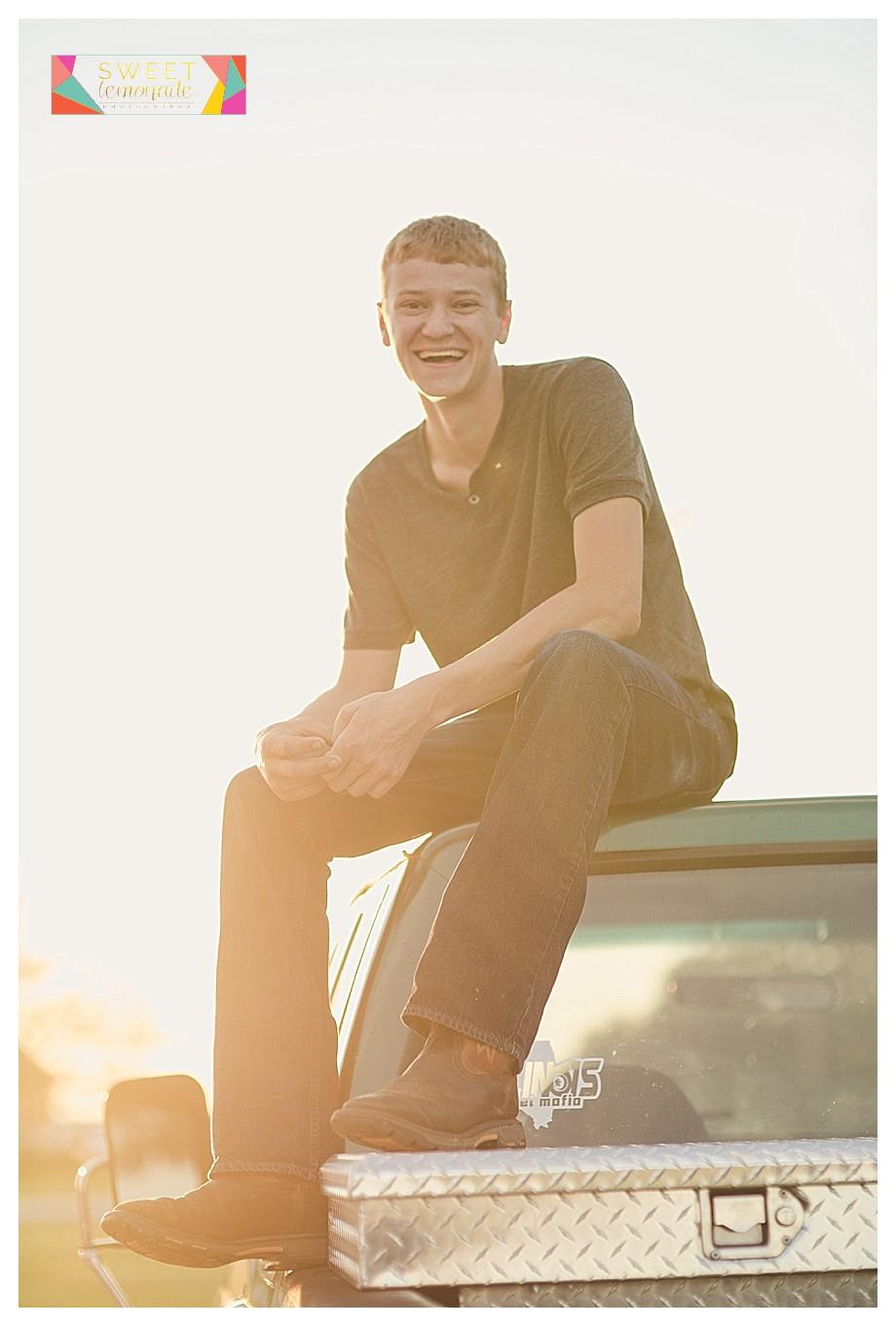 Case-FFA-Boys-Senior-Photo-Session-Tuscola-Mahomet-Illinois-Sweet-Lemonade-Photography_0454