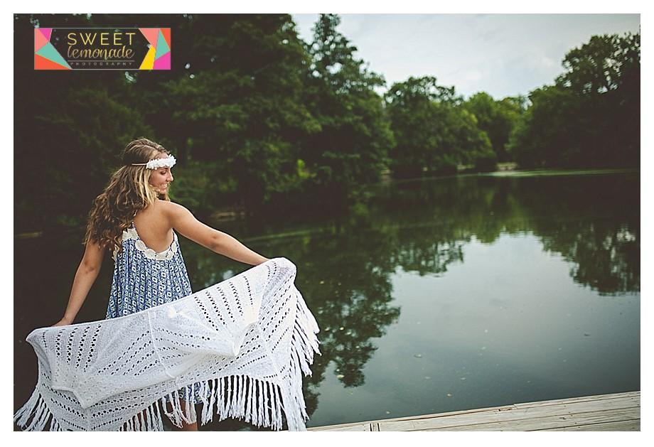 senior girl at crystal lake park urbana il