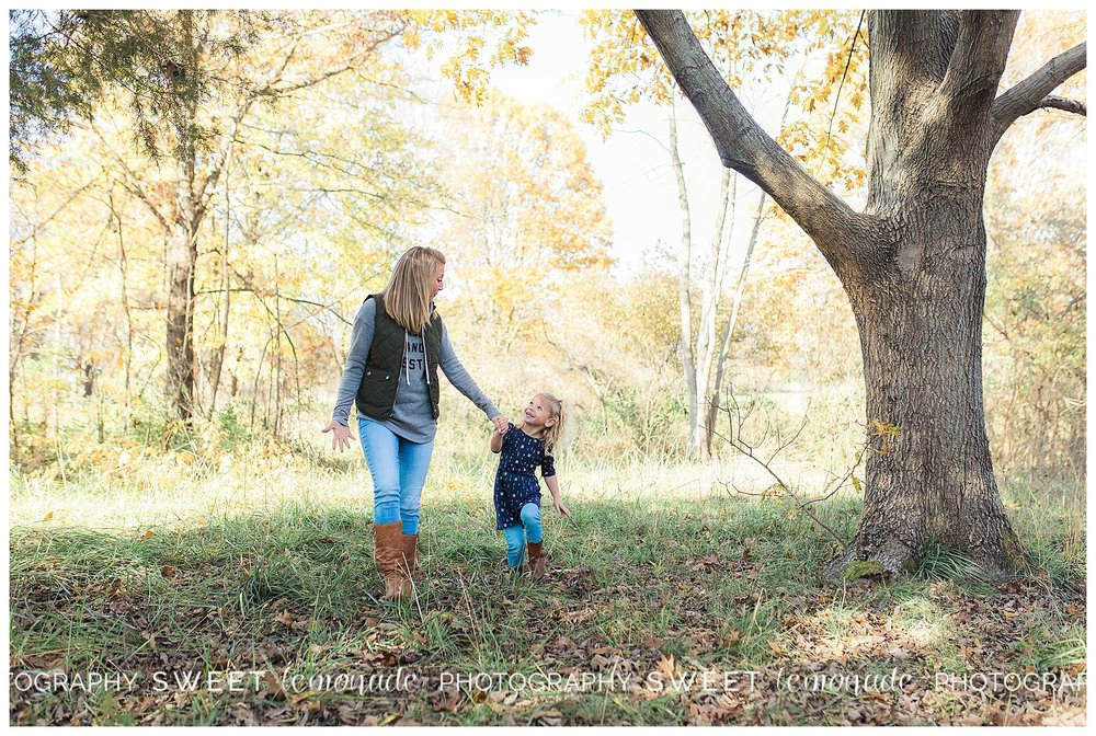 champaign-mahomet-illinois-family-photographer-lake-of-the-woods-_1786.jpg