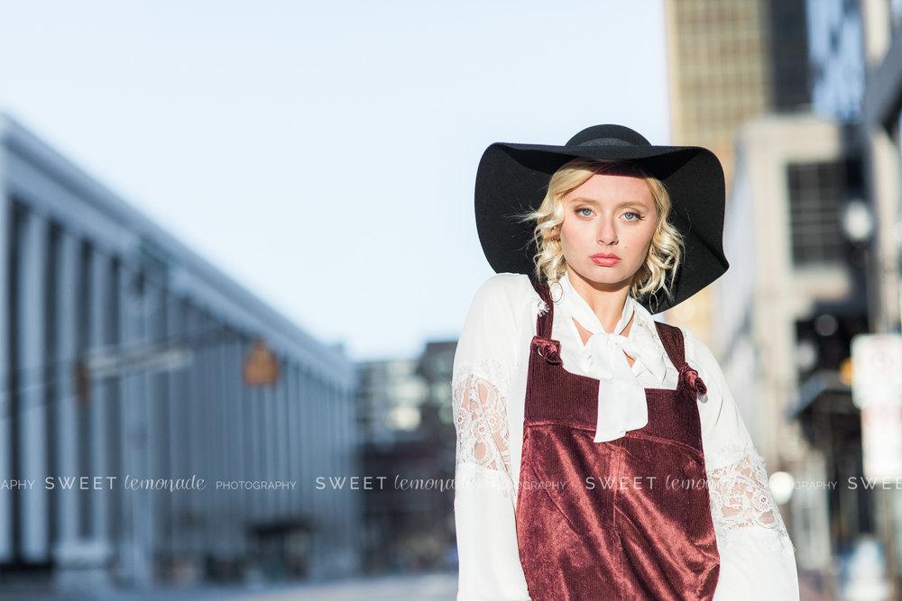 senior portrait photographer, Champaign, IL