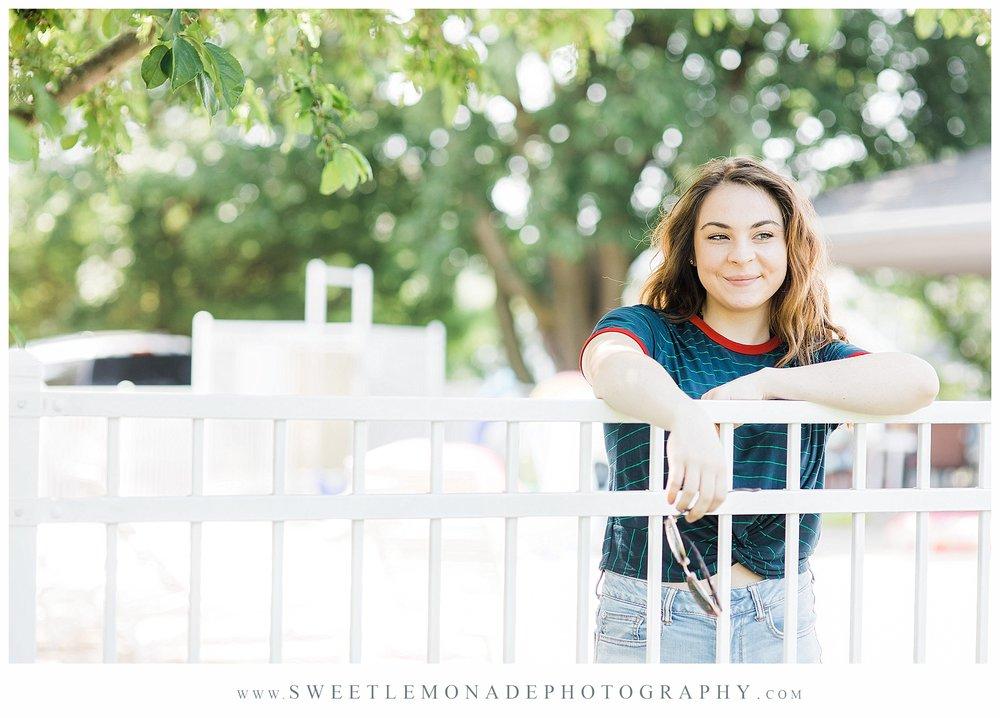 champaign-senior-photographer-sweet-lemonade-photography-senior-pictures-pool_2158.jpg