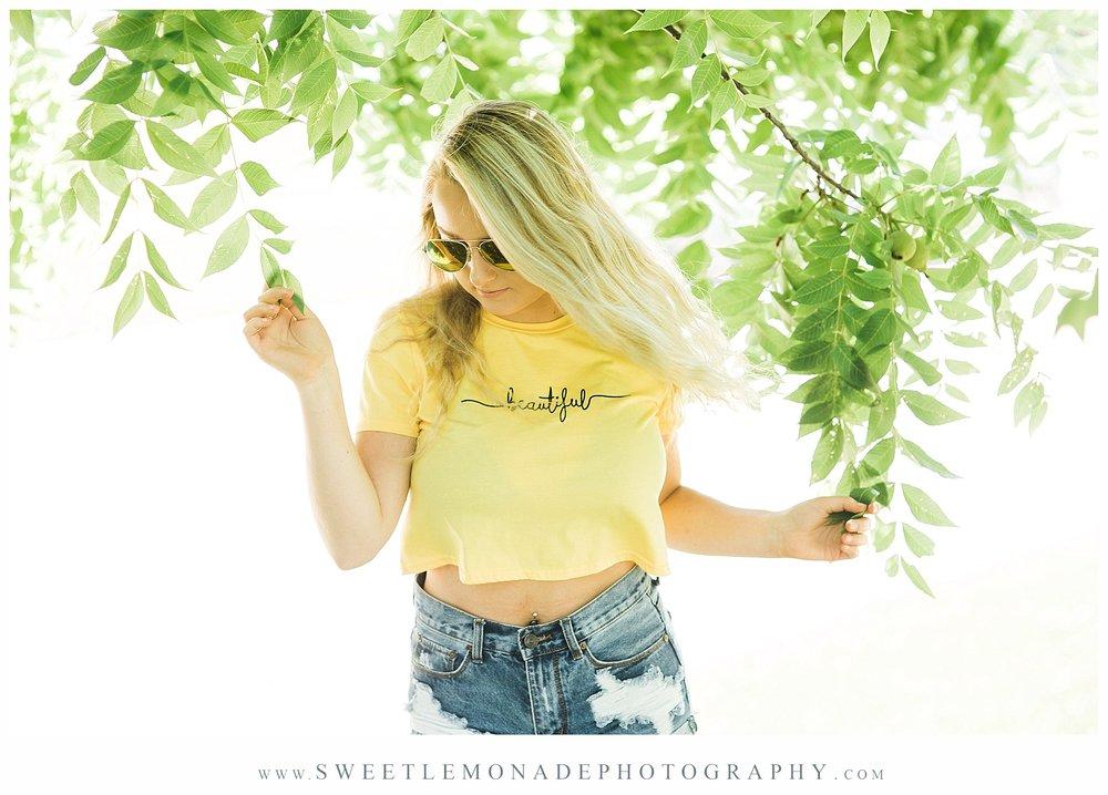 champaign-senior-photographer-sweet-lemonade-photography-senior-pictures-pool_2165.jpg