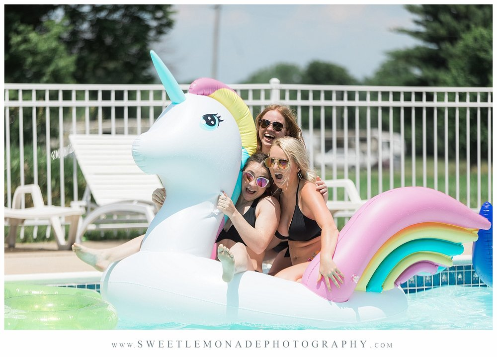 champaign-senior-photographer-sweet-lemonade-photography-senior-pictures-pool_2167.jpg