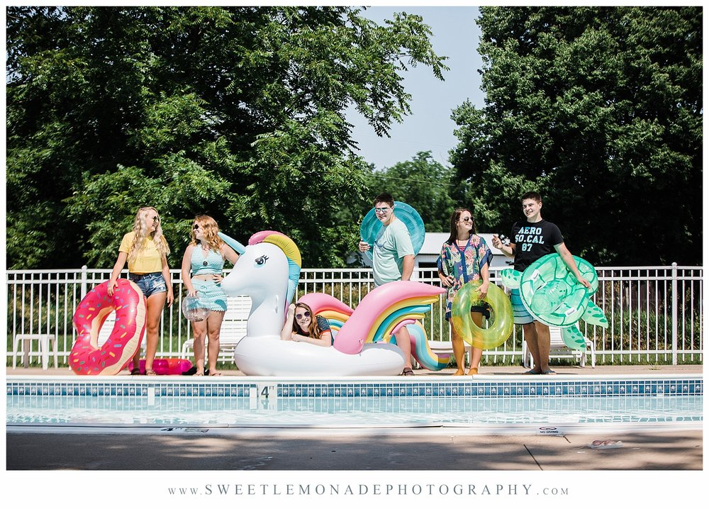 champaign-senior-photographer-sweet-lemonade-photography-senior-pictures-pool_2172.jpg