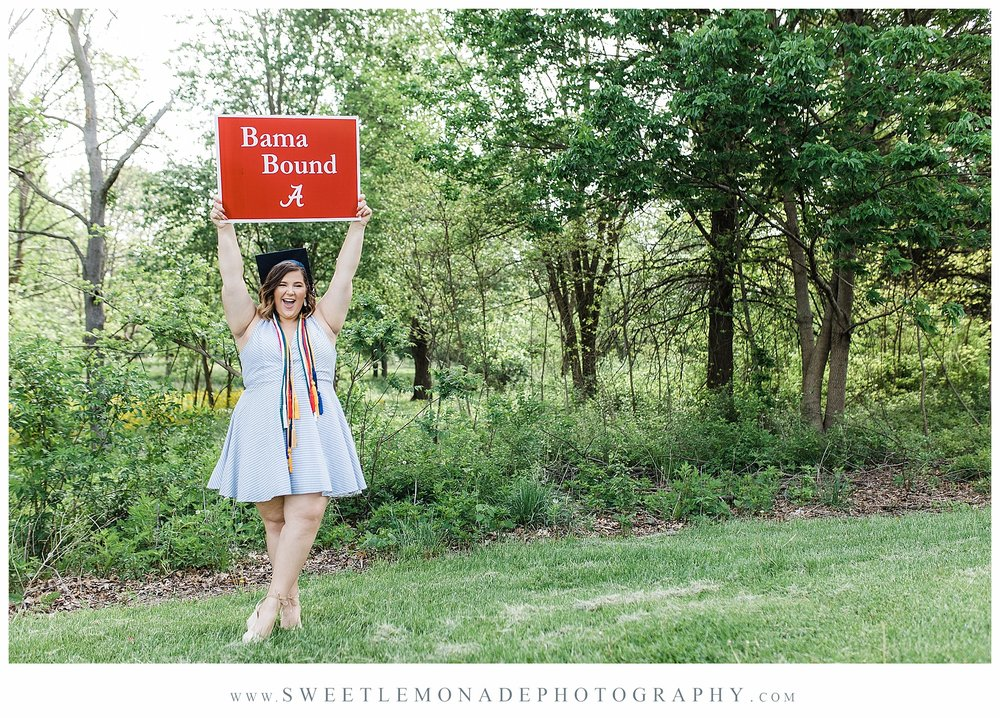 mahomet-illinois-lake-of-the-woods-senior-pictures-cap-and-gown-sweet-lemonade-photography_2101.jpg