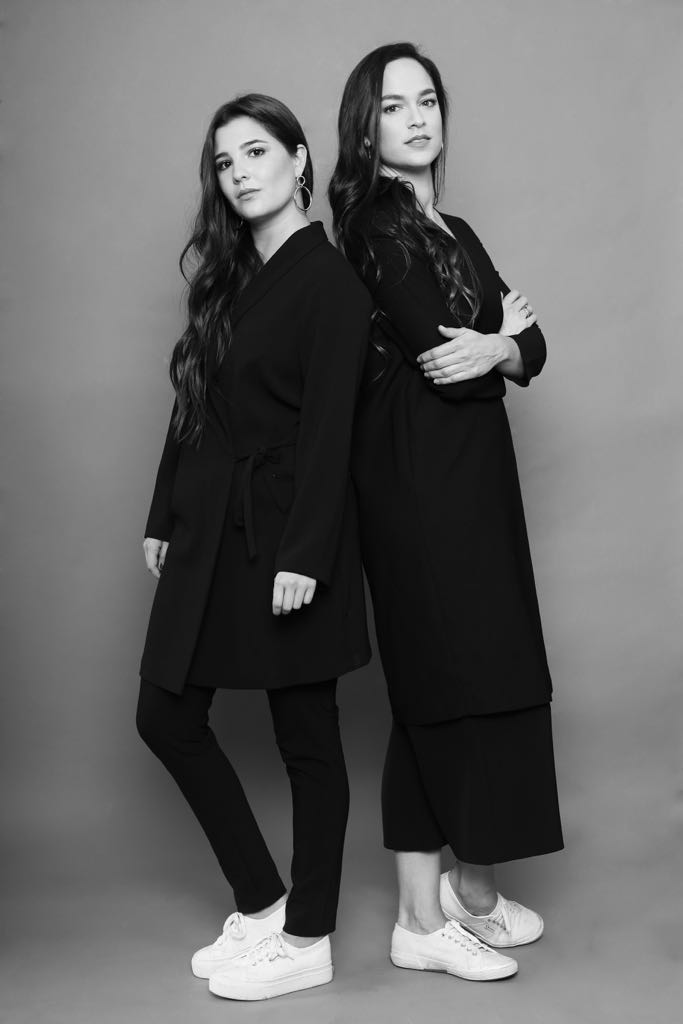 Eugenia Robledo y Jimena Londoño. Foto de  Crimson Crazed .