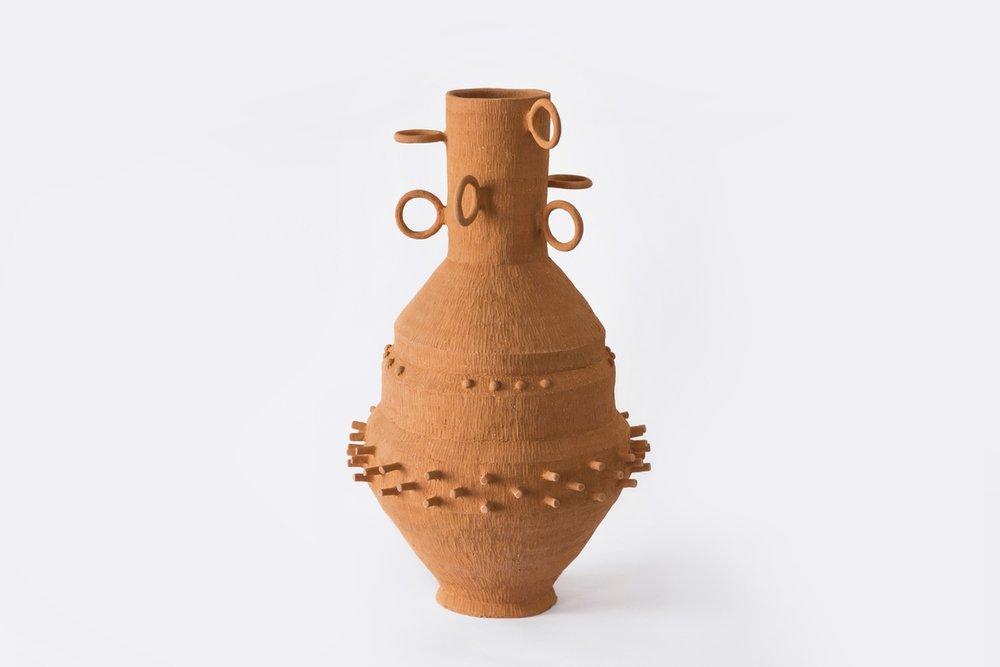 """""""El buen diseño es el que te sorprende, tiene personalidad y es atemporal"""". - - Eugenia Díaz Peon, creadora de Uxiii"""