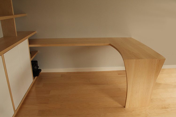 Fitted Desk in Maple
