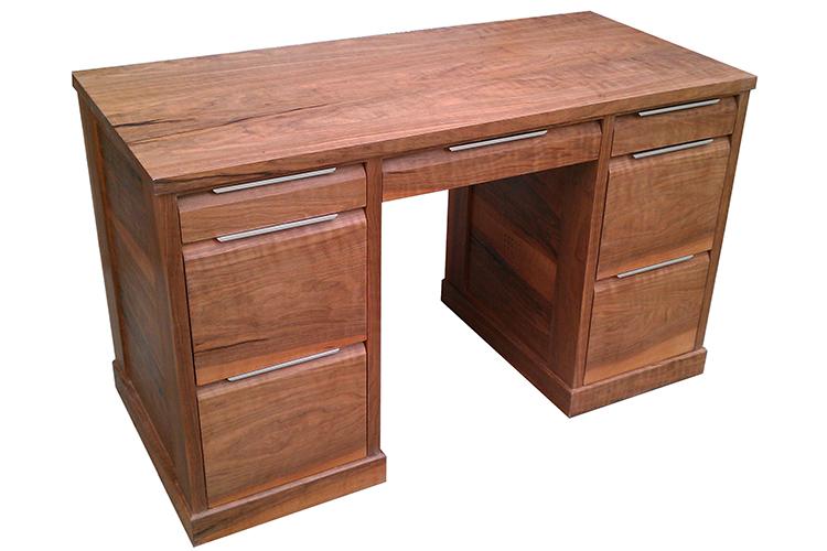 Knee Hole Desk in Walnut