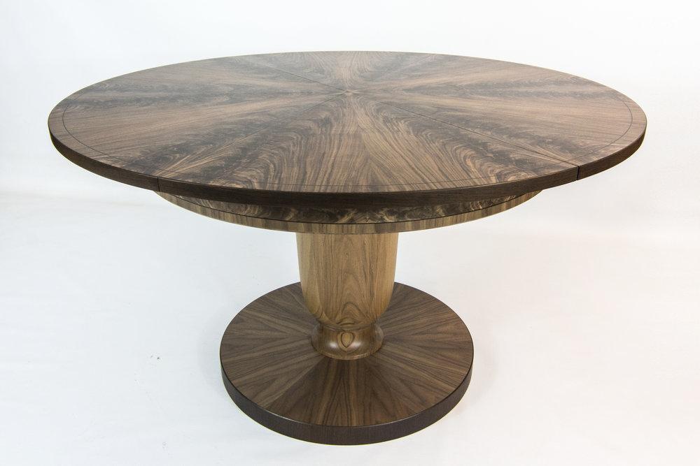 Walnut table 1.6m 01.jpg