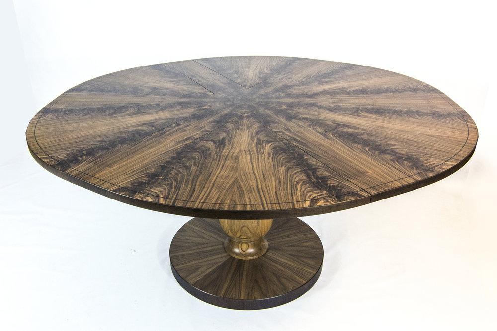 Walnut table 1.6m 04.jpg
