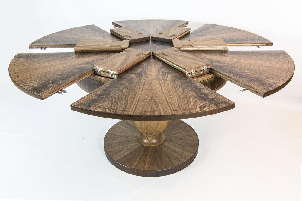 Walnut table 1.6m 03.jpg