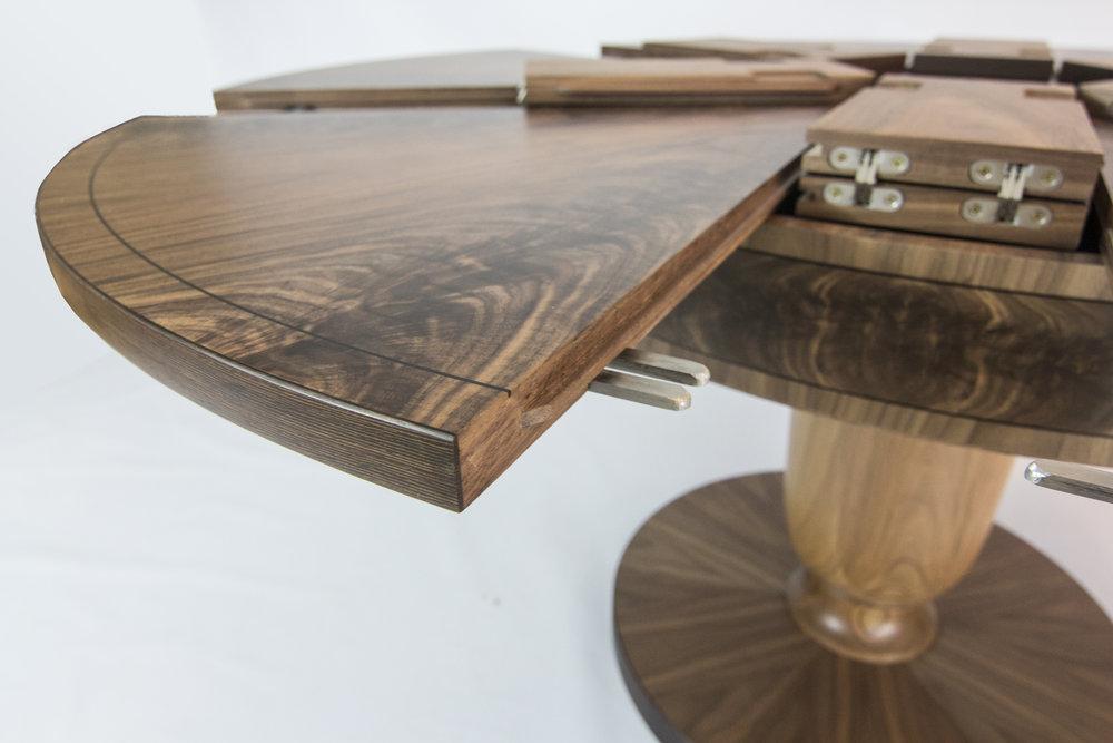 Walnut table 1.6m 06.jpg