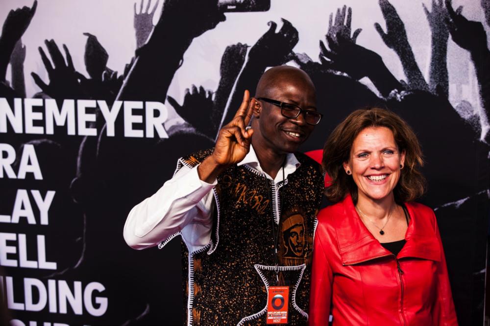 Soka Moses with Hanneke Schuitemaker JnJ VP Viral Vaccines_GlobalCitizenHamburg.png