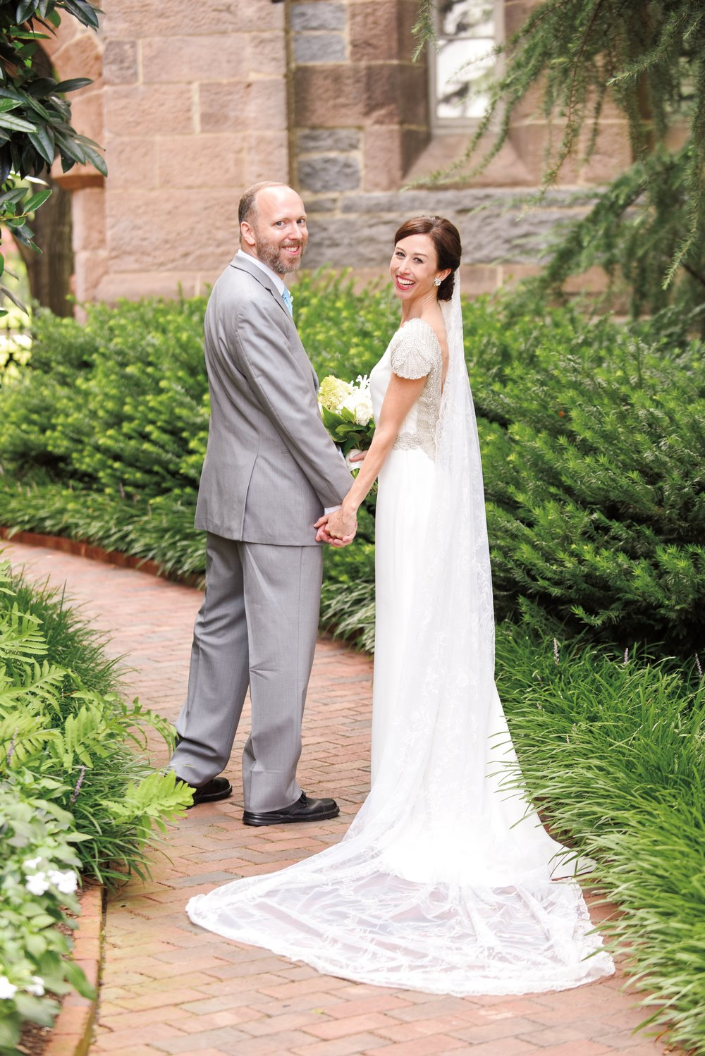 Lindsay Purrington '96 married Mike O'Hara in her hometown of Raleigh, N.C.