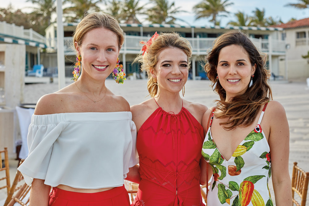 Charlotte Ross '06 (c.) with bridesmaids Daphne Grayson '06 (l.), and Giovanna Campagna'06 (r.) at her wedding in Palm Beach, Fla.
