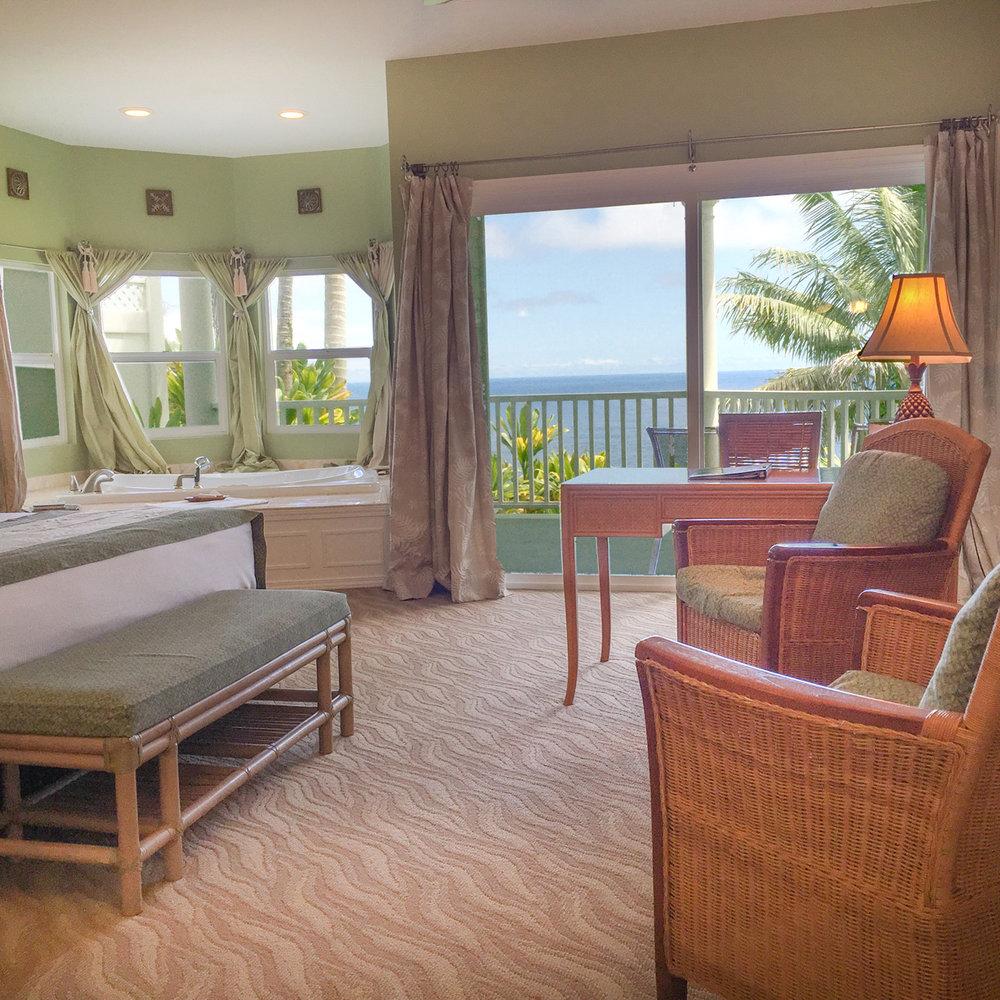 The Ocean Splendor Suite at The Palms Cliff House Inn, Honomu, Hawaii (1 of 1).jpg