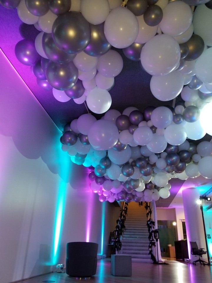 Balloon Cloud SF Installation Corporate Balloon Party - Zim Balloons.jpg