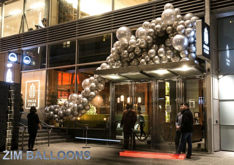 Organic Balloon Installation SF Balloon Art - Zim Balloons.jpg