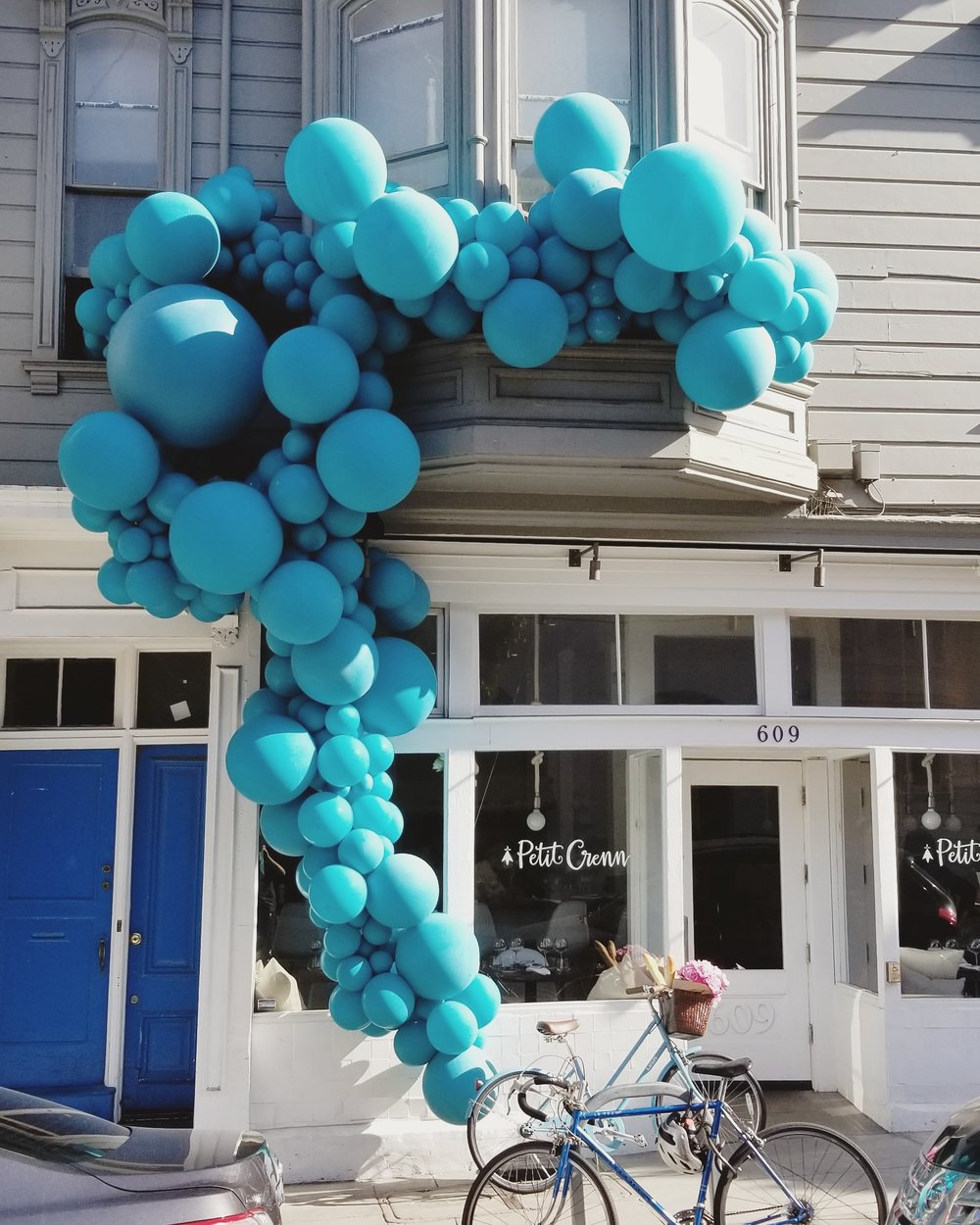 Balloon Installation _ Oranic Balloon Garland _ San Francisco SF Balloon Company _ Zim Balloons.jpg