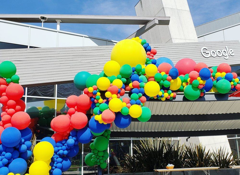 Google 20th Birthday Balloon Installation - Balloon Art SF Palo Alto - Zim Balloons.jpg