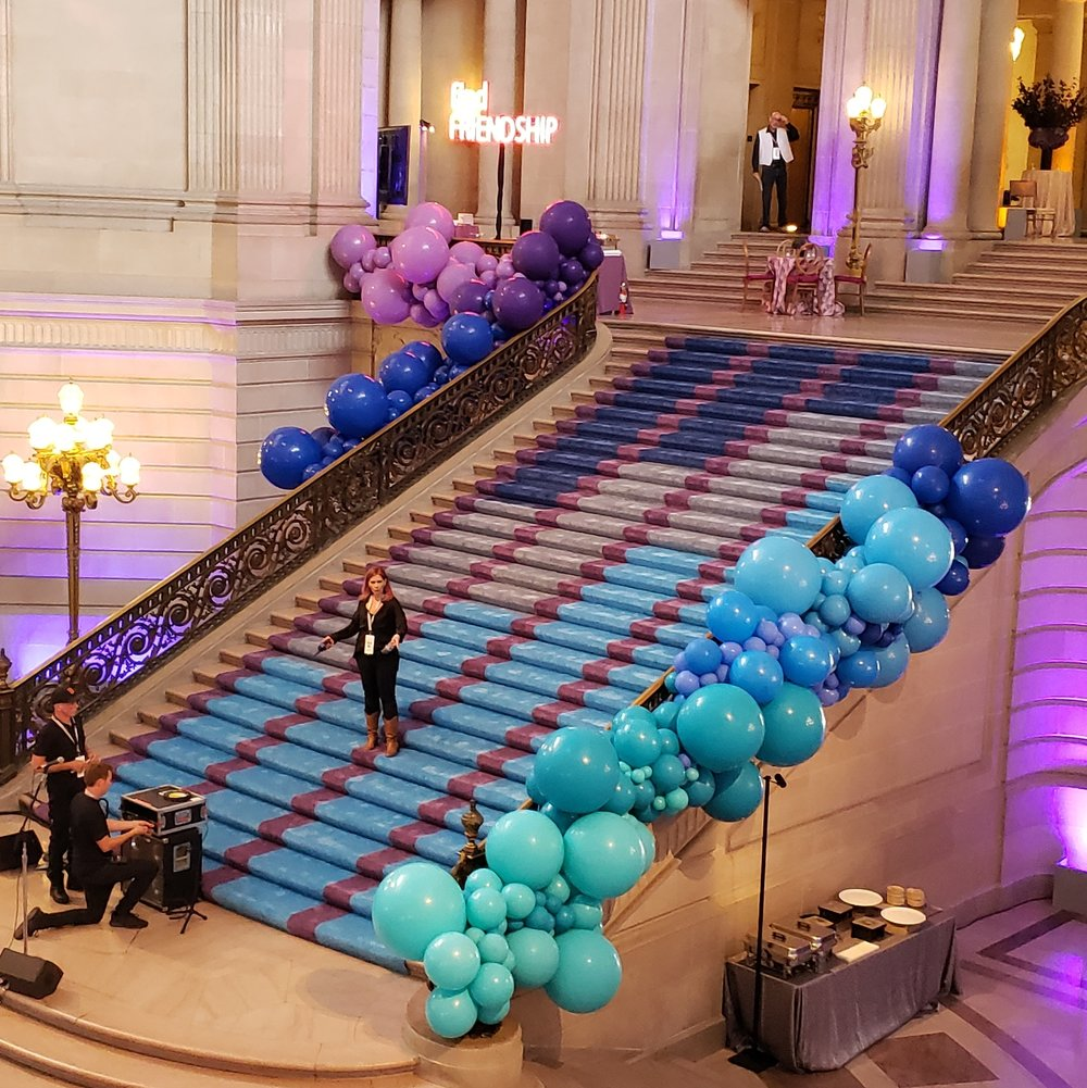 SF City Hall Dreamforce Balloon Installation by Balloon Stylist - Zim Balloons.jpg
