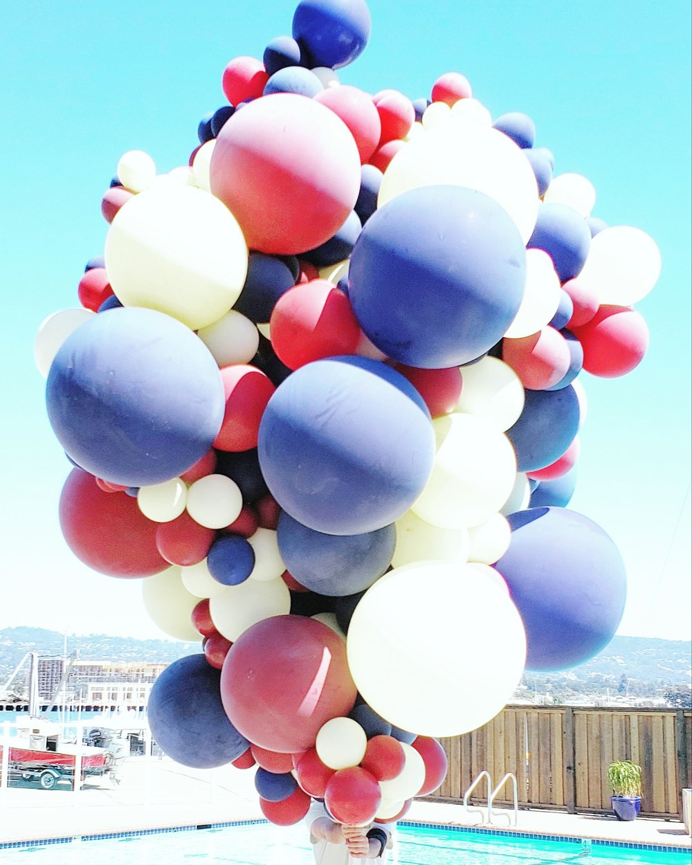 Giant Balloon Cloud Head Explosion Balloon Art - Zim balloons.jpg