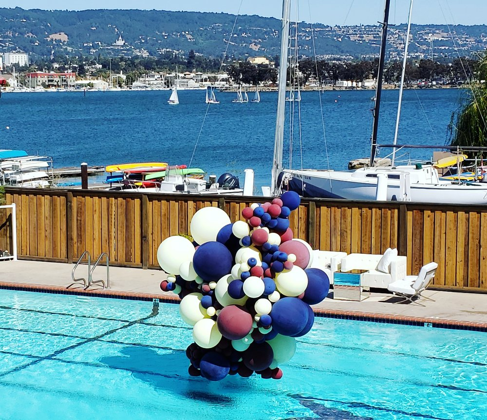 Pool Balloon Installation - Pool Balloon Art - Zim Balloons.jpg
