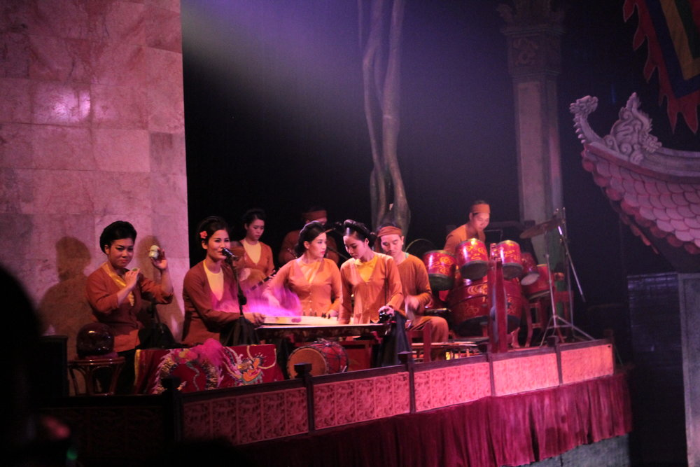 Chèo singers lead the traditional Vietnamese orchestra in the famous water puppet shows in Hanoi. Water puppetry was first created in the late 10th century (Oxford Grove Dictionary of Music).