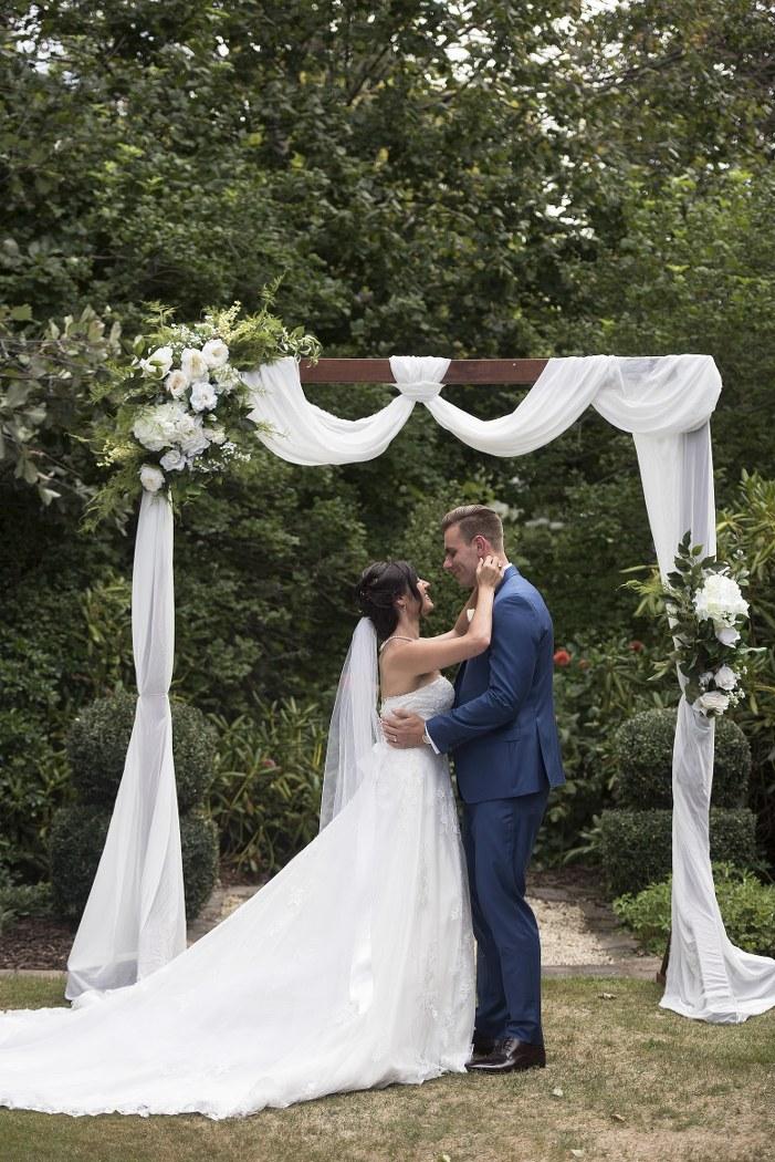 New Zealand wedding blogger