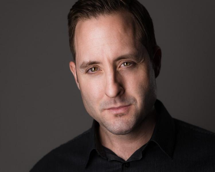 Meet Your Headshot Expert - Ryan Tiehen Headshot Photographer Studio Owner