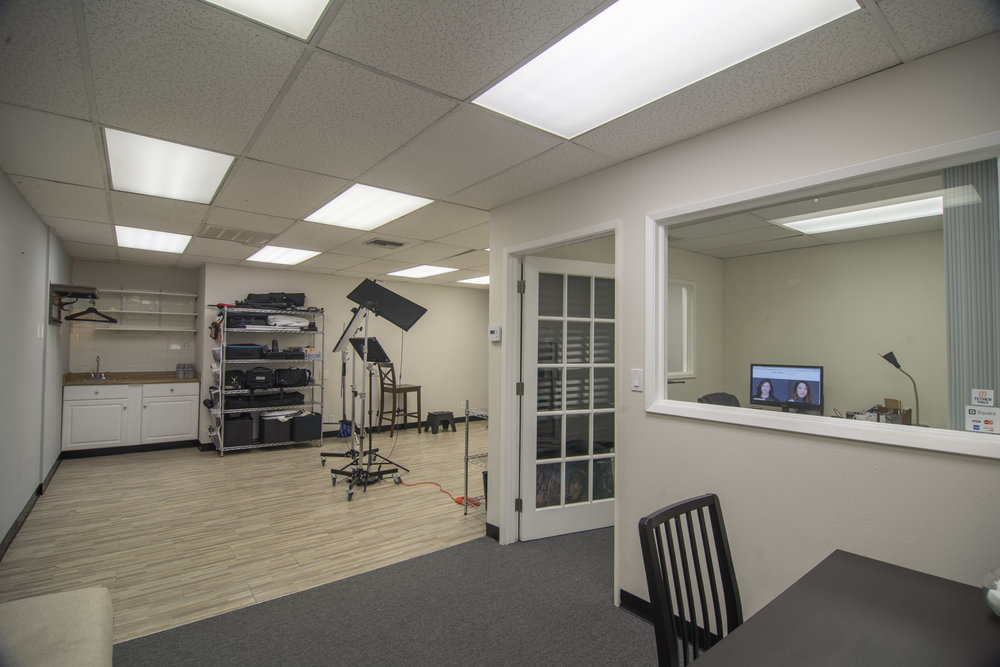 Studio conveniently located in Orange County, just off the 55 Freeway! -