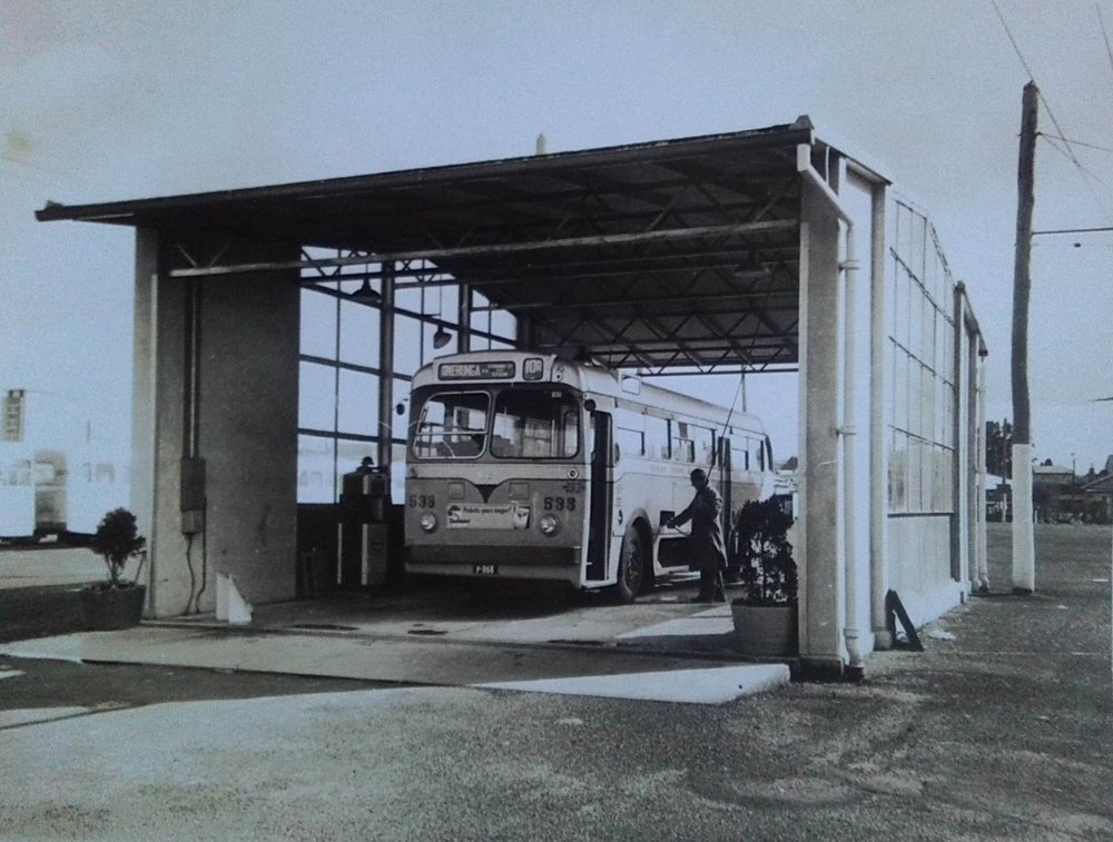 An AT538 parked at the fuel pump building of Onehunga depot. The depot in Church Street Onehunga opened 24.8.57 and the photo was taken shortly afterwards. Photo credit: Paul Gourley, 1957