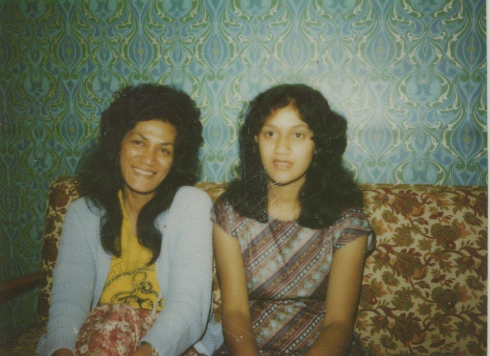 Anne Hawkins and Susan Hawkins at their family home 290 Rosebank Road. Photo credit: Susan Hawkins. Dec 1979.