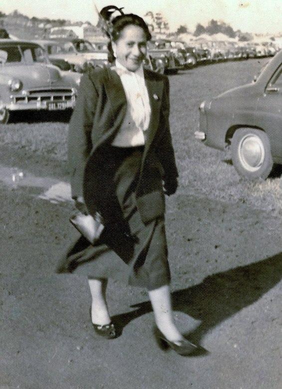 Maraea Mama Bradley nee Poa attending the Avondale Races. Image credit: Wayne Bradley. Circa 50s.