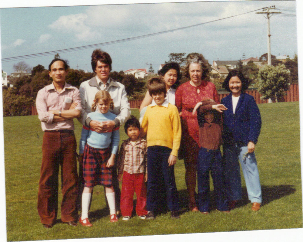 L-R back to front: Phero, David, Anna, Elizabeth, name unknown, Kezia, Kim Don, Nicolas and Simon. Image credit: Janice Norton. 1983.