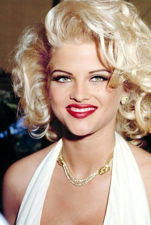 Anna Nicole Smith   Jose Hess necklace 1.jpg