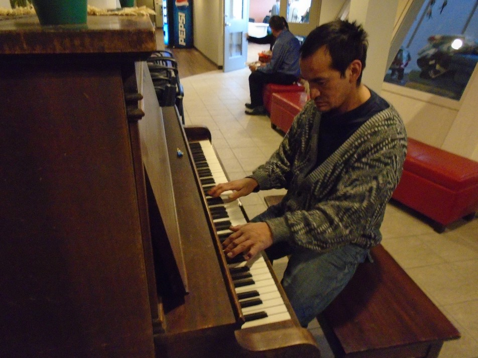 Picture1-Piano Man Ryan.jpg