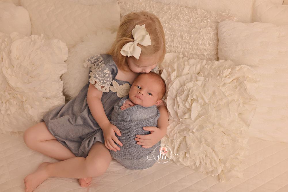 Houston newborn photographer spring newborn photographer the woodlands newborn photographer