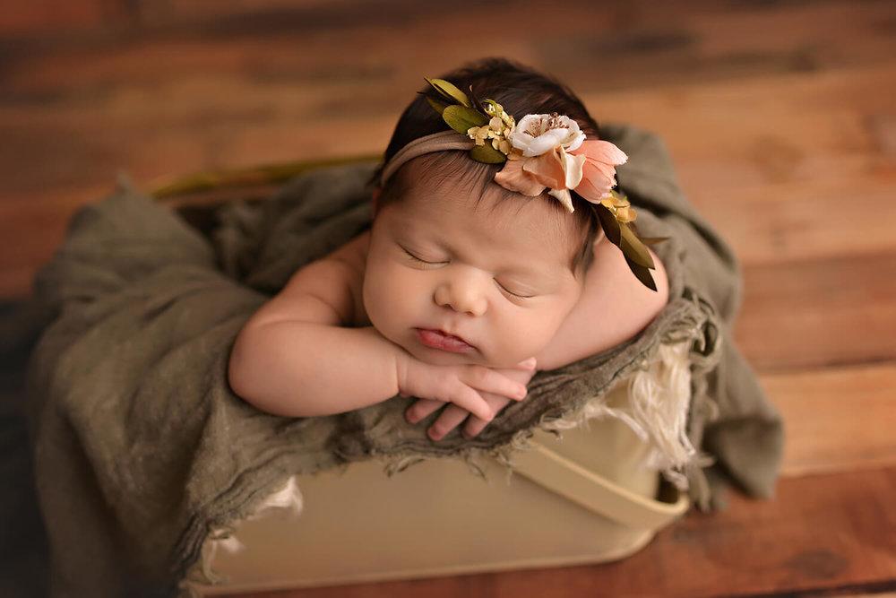 Deanna addison photography newborn photographer in spring texas