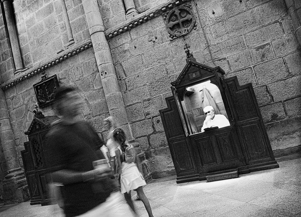Avoidance, Santiago del Compostela, Spain, 2005