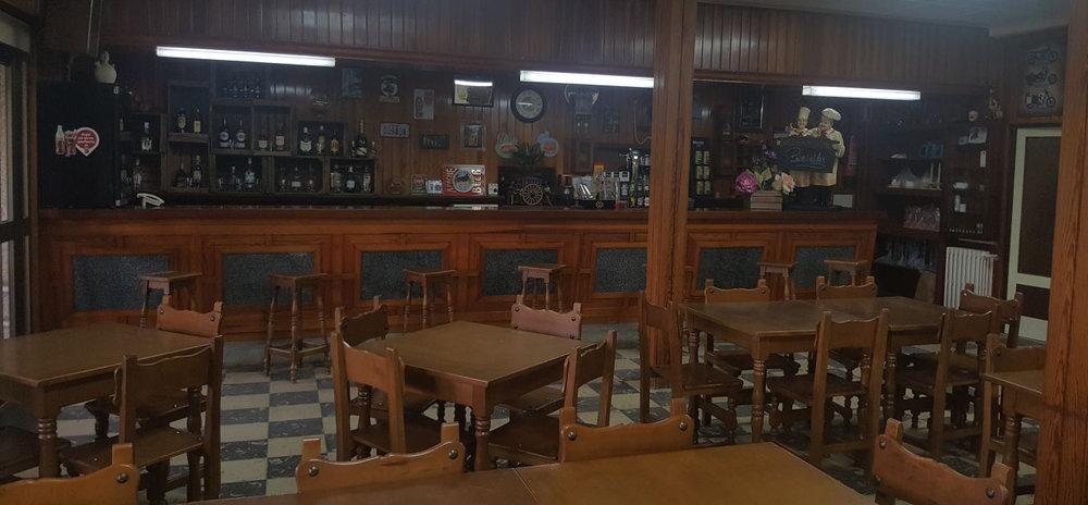 """Zona de bar y barra del Restaurante """"RUTA 608"""""""