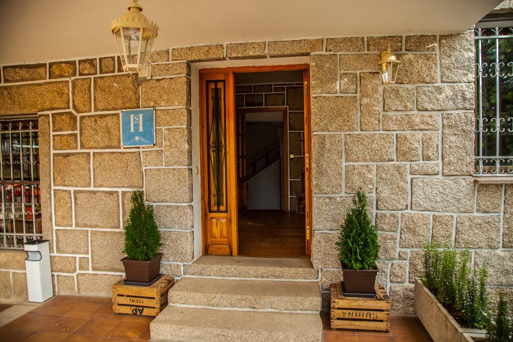 entrada.hostal.jpg