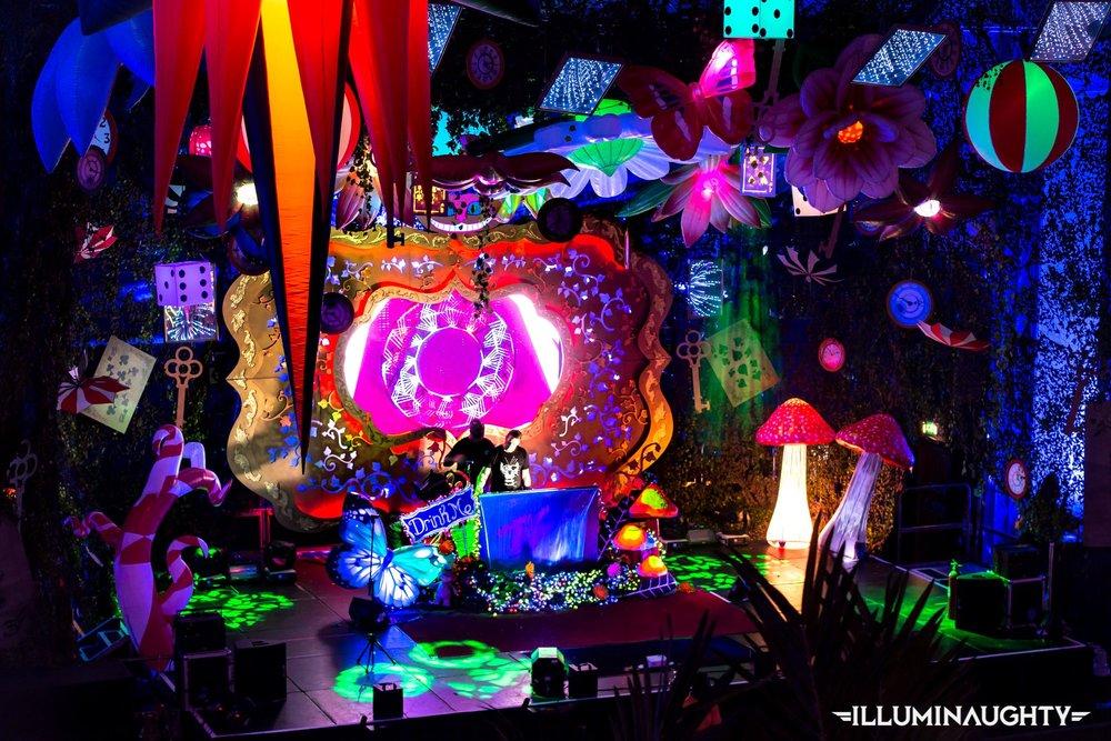 Wonderland Stage
